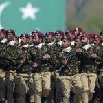 ہمیں پاکستان کو بچانے کے لئے پاک فوج کے ساتھ کھڑے ہونا چاہئیے